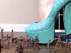 Crush fetish: Giantess Goddess Lucy crushes army men with heels  lucywants