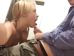Blonde college girl sucks a lucky nerd in changing room